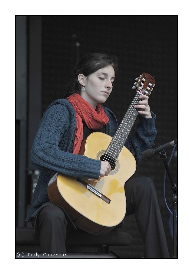 Bonn-Musiker Kassandra Siebel_LND3823(800x532)03062012Text